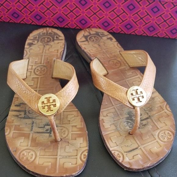 2478f009efb5 Tory Burch Thora Tumbled Leather Logo Sandal. M 5cad2c67d948a1546f81f657